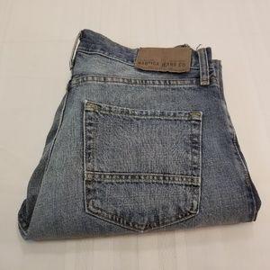 EUC. Nautica Straight Fit Jeans Size 32/30